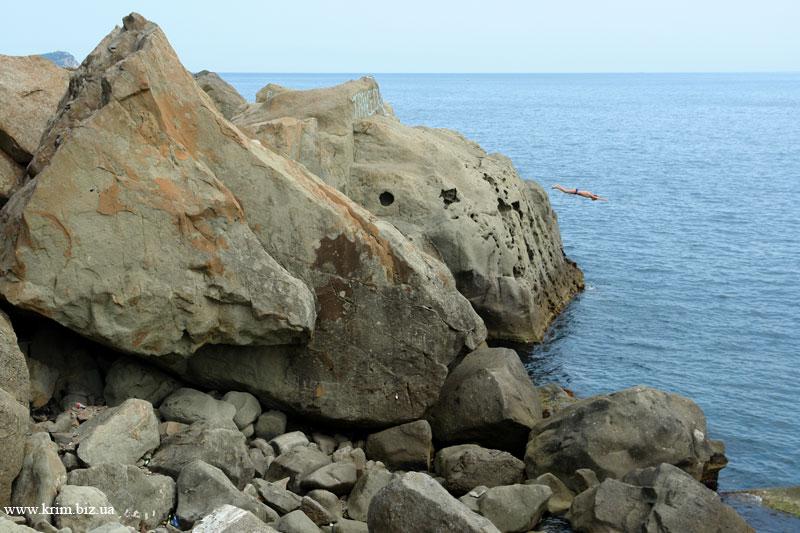 Крым, Алупка, прыжок со скалы