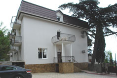 Гостиница Кедр-Запад в Алупке