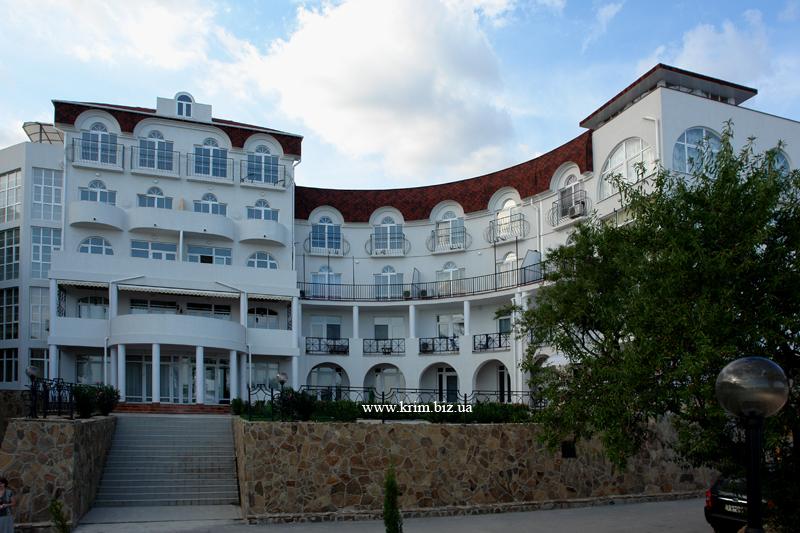 Алупка. VIP гостиничный комплекс Сон у моря