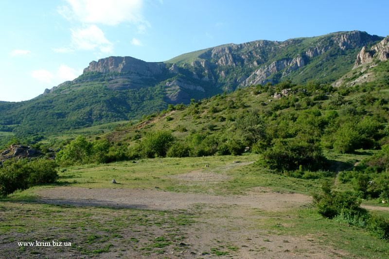 Крепость Фуна, вид на могильник