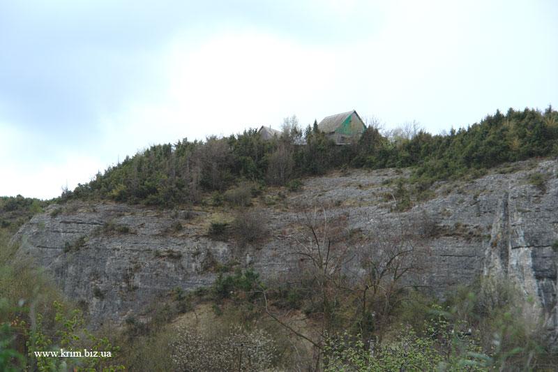 Бахчисарай, дом на скале