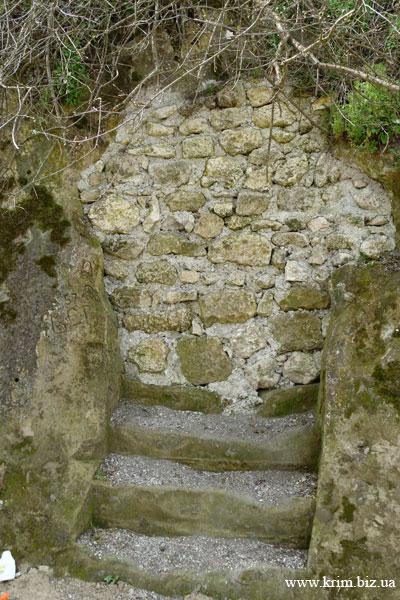 Замурованный ход монастыря