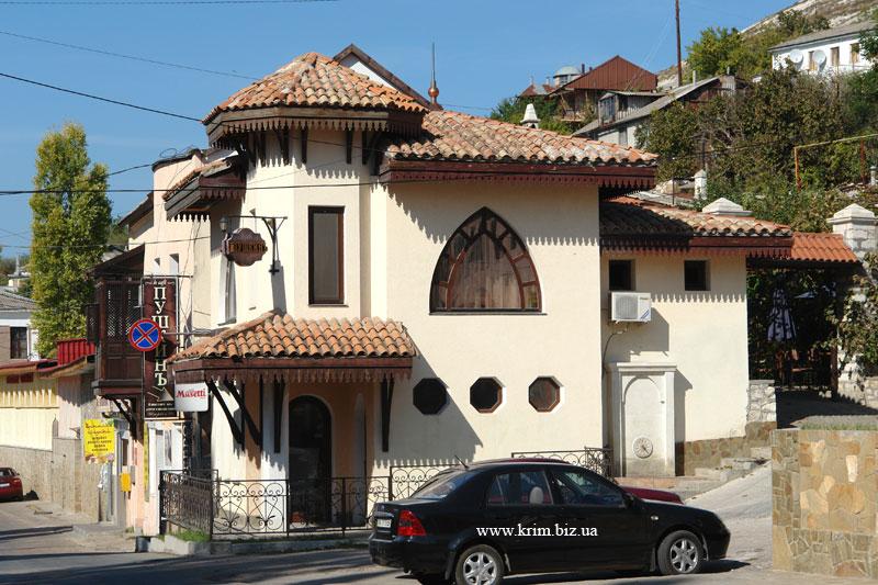Современный Бахчисарайский дом