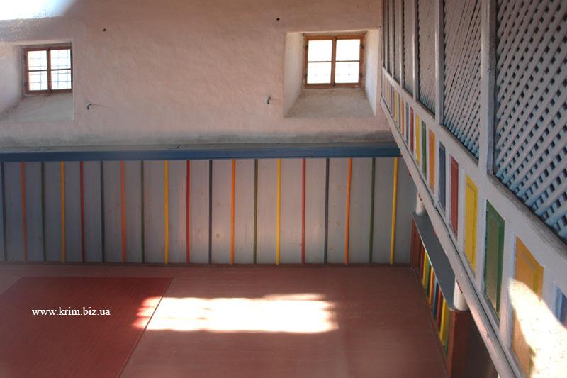 Чуфут-Кале. Обстановка внутри кенасы