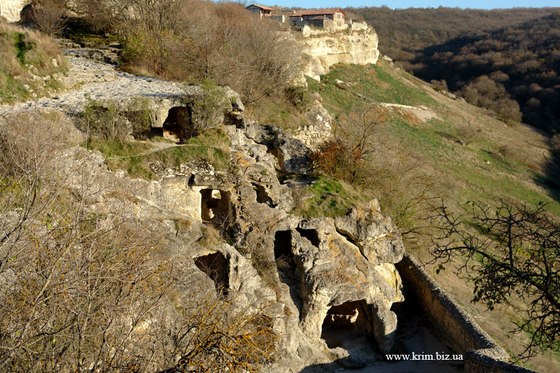 Чуфут-Кале. Монастырские пещеры
