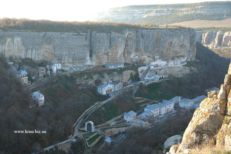 Чуфут-Кале. Вид на Успенский монастырь