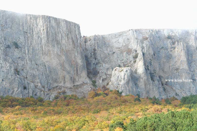 Вид на Миэссис-Сохах-Богаз - запретный перевал или Кикинеиз-Богаз