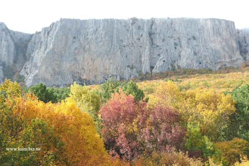 Биюк-Исар. Вид на гору Спираду