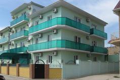 Гостиница на Черноморской набережной в Феодосии