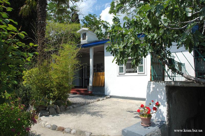 Дача Чехова в Гурзуфе
