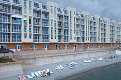 Гурзуф. Комплекс апартаментов Наутилус со своим пляжем
