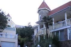 Вилла Снегири в Гурзуфе