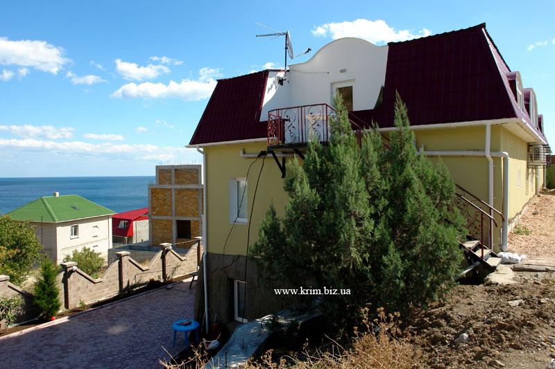 Кацивели, дома на берегу
