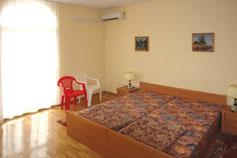 Санаторный комплекс Дача Курчатова в Мисхоре. Однокомнатный номер в вилле