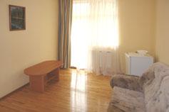 Санаторный комплекс Дача Курчатова в Мисхоре. Двухкомнатный номер в вилле