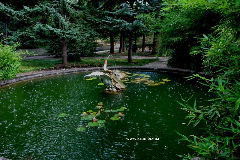 Санаторий Дюльбер в Мисхоре. Парк, фонтан Пиликан
