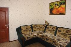 Гостиница Ренессанс. Двухкомнатный двухместный с внутренним двориком № 4