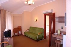Гостиница Родос в Мисхоре. АБК. 2-х комнатный 2-х местный люкс № 9
