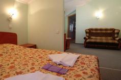Гостиница Родос в Мисхоре. Стандартный 2-х комнатный 2-х местный