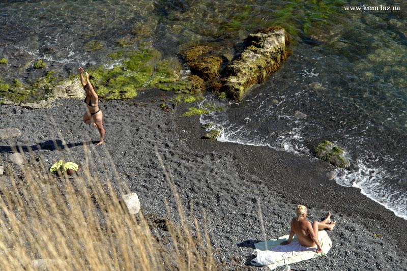 Нудистский пляж под Голицынской тропой