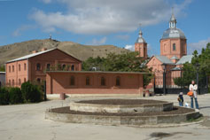 Поселок Орджоникидзе. Храм Стефана Сурожского