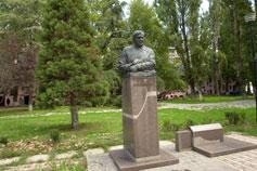 Симферополь. Памятник Кириченко Н.К.