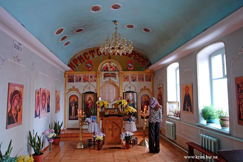 В храме Святых Равноапостольных Константина и Елены