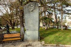 Симферополь. Памятник Дыбенко П. Е
