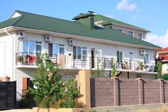 Гостиница, отель Maxim в Судаке