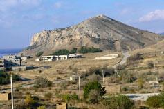 Окрестности Судака. Вид на гору Алчак