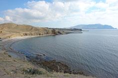 Вид с горы Алчак на бухту Капсель и мыс Меганом