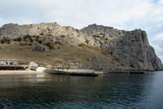 Судак. Крепостная гора фото с моря