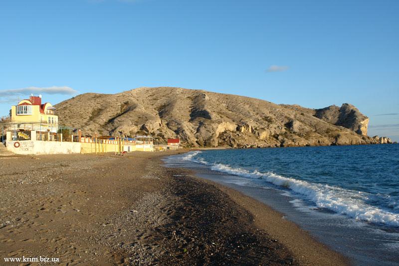 Пляж 2009 фото Крым. Вид на гору Алчак