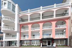 Гостиница Санта-Барбара в поселке Утес (Большая Алушта)