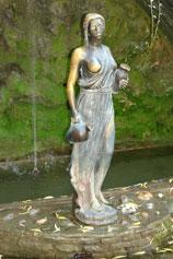 Крым. Утёс. Малый Маяк. Бронзовая статуя в парке