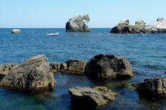 Туризм на лодке вдоль берега Крыма
