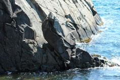 Крым. Утёс. Малый Маяк - море и скалы у подножия мыса Плака