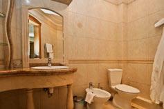 Отель Шестой элемент. Ванная комната