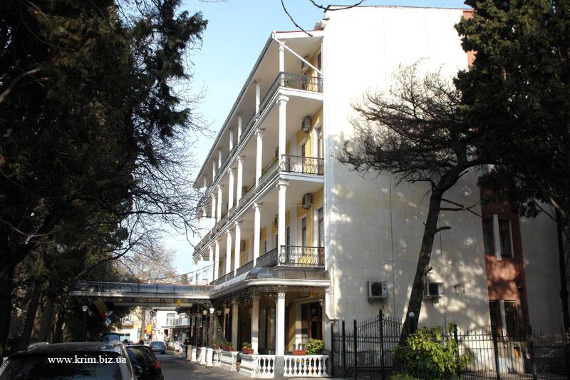 Ялта - отель (гостиница) Палас