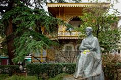 Ялта. Памятник Лесе Украинке