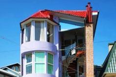 Ялта. Гостевой дом Константа над Массандровским пляжем. Фасад