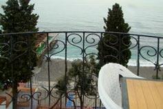 Ялта. Гостевой дом Константа над Массандровским пляжем. Однокомнатный номер