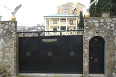 Гостиница Карина на Красноармейской в Ялте. Фасад